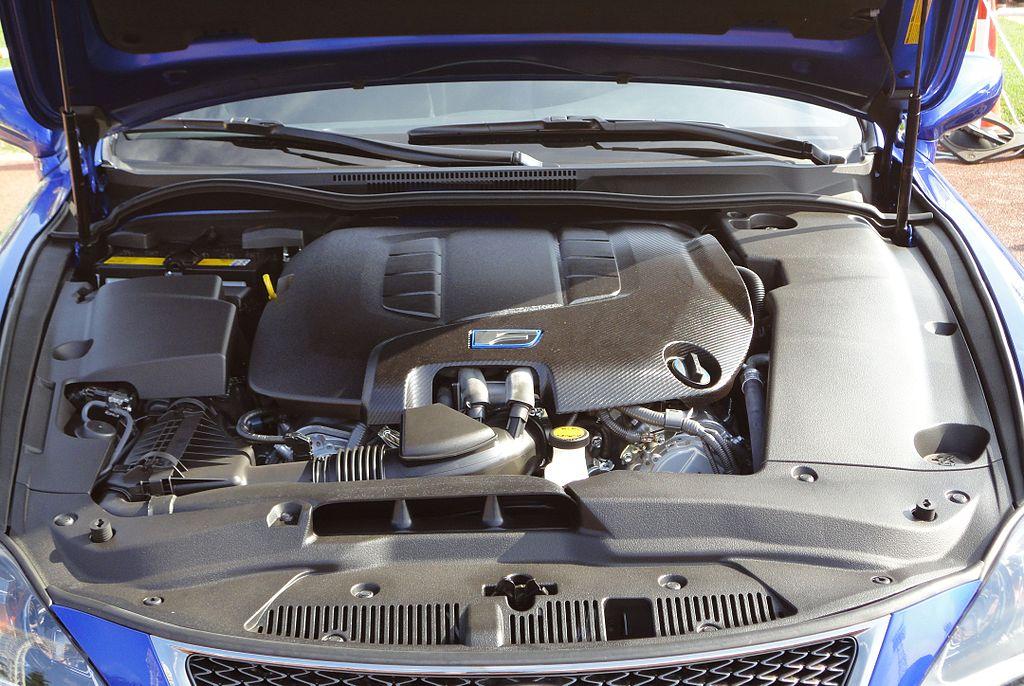 jakwyciszyc komore silnika