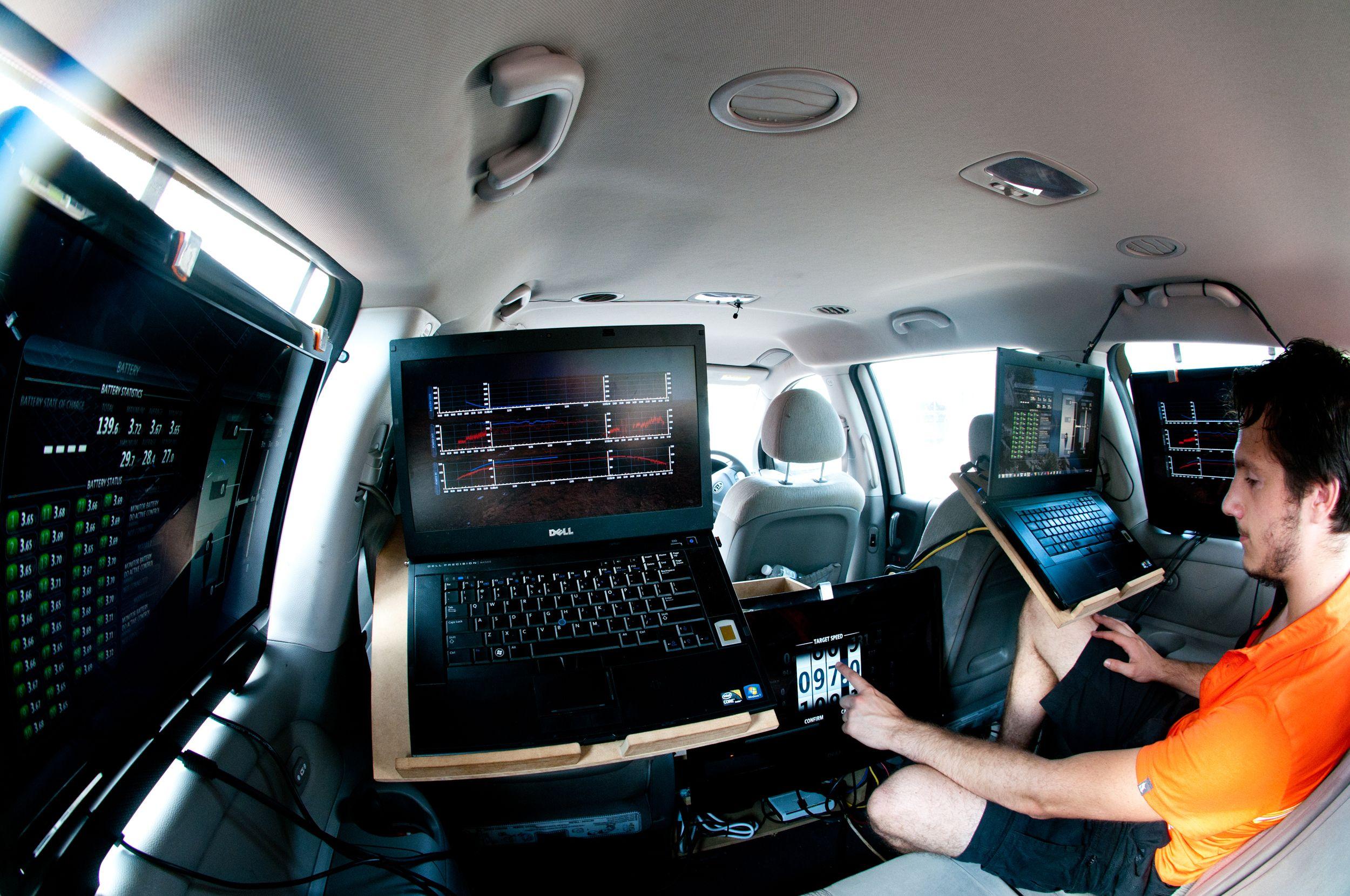 redukcja halasu w samochodzie osobowym